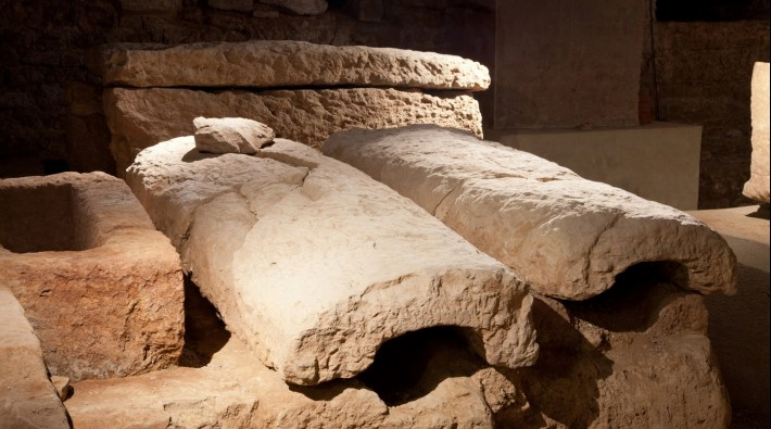 sarcophages2